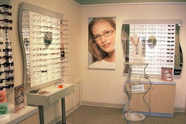 Eyeglass-600
